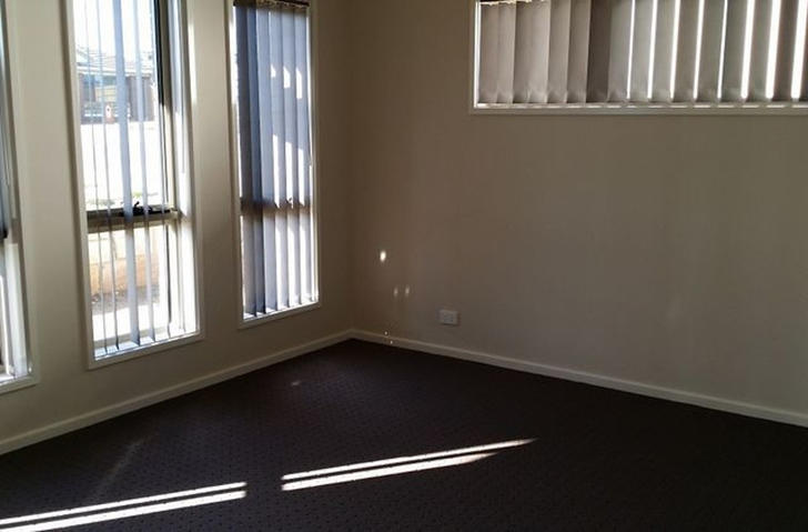 28 Starcevich Crescent, Jacka 2914, ACT House Photo