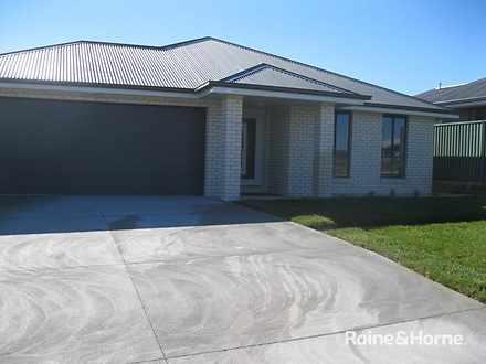 30 Blaxland Drive, Llanarth 2795, NSW House Photo