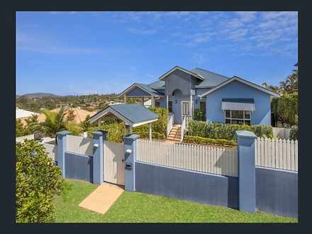 8 Hillenvale Avenue, Arana Hills 4054, QLD House Photo