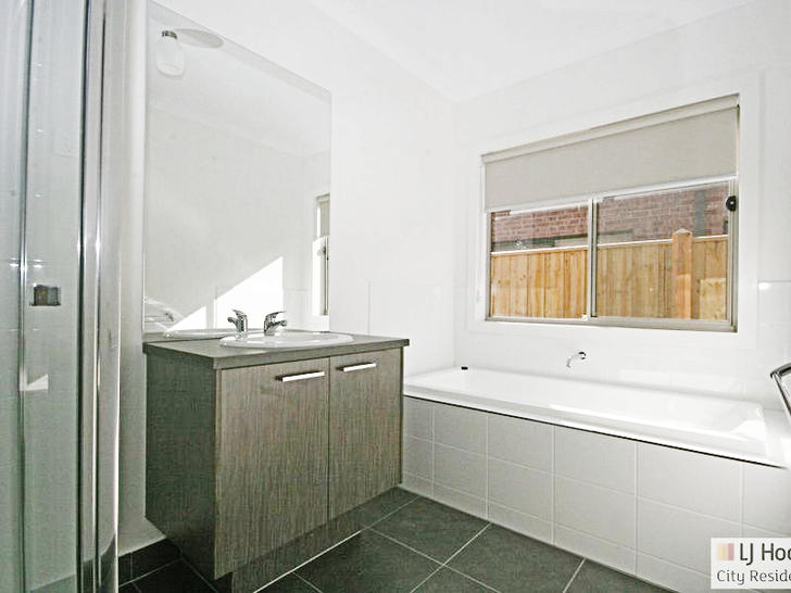 28 Pendulum Street, Truganina 3029, VIC House Photo