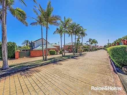 1/116 Meadowlands Road, Carina 4152, QLD Townhouse Photo