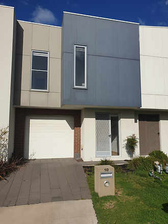 10 Crombie Lane, Point Cook 3030, VIC Townhouse Photo