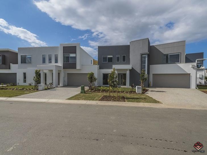 ID:3889349/31 Azure Way, Hope Island 4212, QLD Townhouse Photo