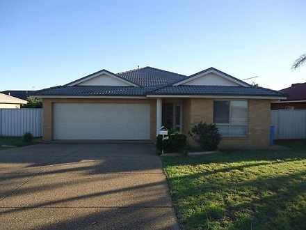 54 Avocet Drive, Estella 2650, NSW House Photo