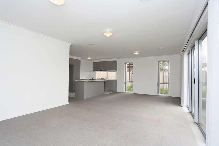 10 Mallow Street, Brookfield 3338, VIC House Photo