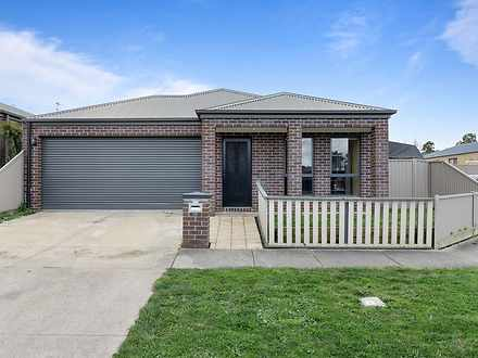 18 Cartledge Avenue, Mount Clear 3350, VIC House Photo