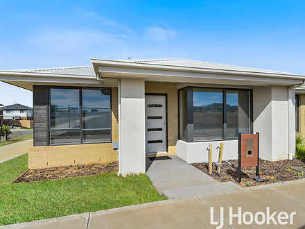 13 Emanda Lane, Clyde North 3978, VIC House Photo