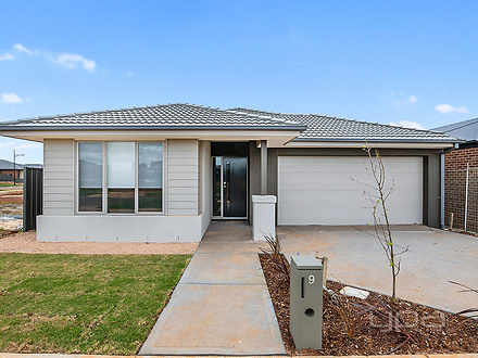 9 Stevenage Drive, Strathtulloh 3338, VIC House Photo