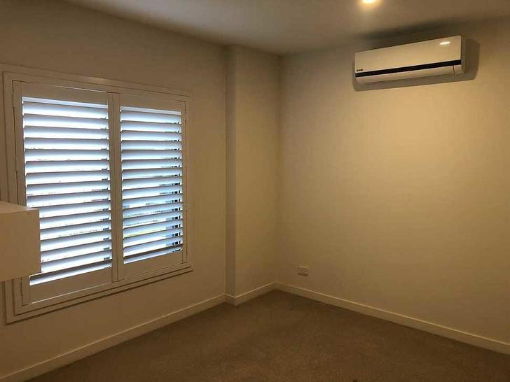 107 Waterhaven Boulevard, Point Cook 3030, VIC Townhouse Photo