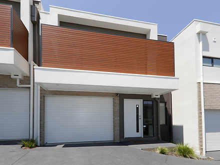 2/32 Rathmullen Quadrant, Doncaster 3108, VIC Townhouse Photo