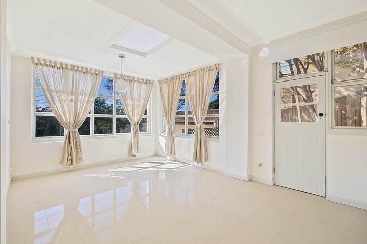 12 Greenfield Avenue, Middle Cove 2068, NSW Studio Photo