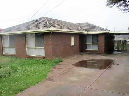 35 Bridge Road, Melton South 3338, VIC House Photo