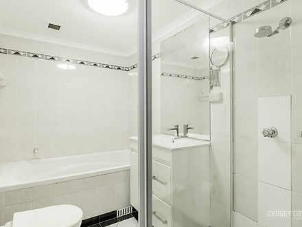 556fb906a536d90788122970 bathroom 1602478222 thumbnail