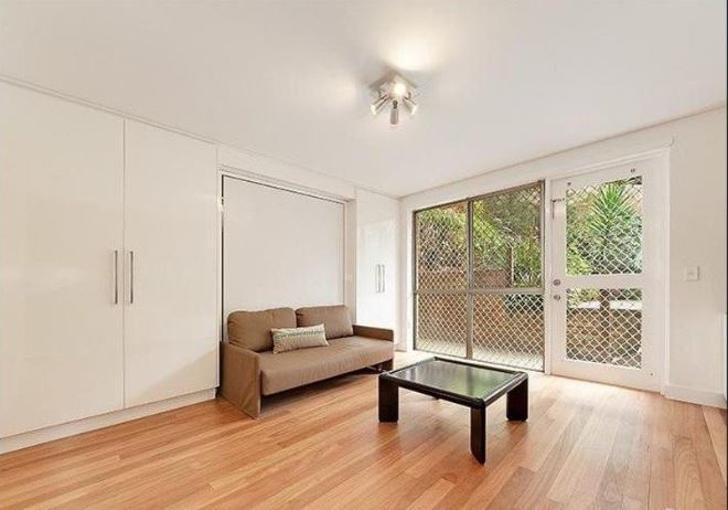 1/1 Onslow Place, Elizabeth Bay 2011, NSW Studio Photo