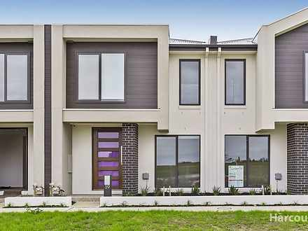 39 Creekside Street, Clyde 3978, VIC Townhouse Photo