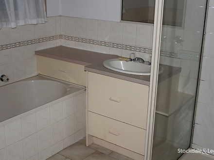 B233da41fb87c88e9c25782b 30134 bathroom 1602652418 thumbnail