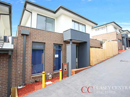 10 Butina Crest, Pakenham 3810, VIC House Photo
