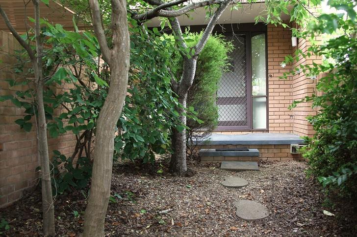 11 Mackaness Place, Garran 2605, ACT Townhouse Photo