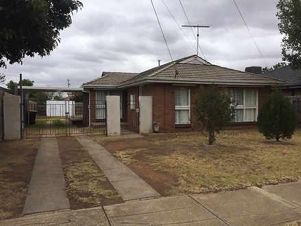 8 Childs Street, Melton South 3338, VIC House Photo