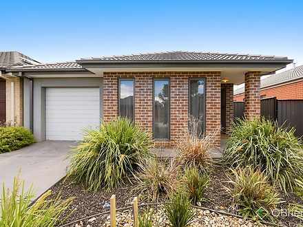 22 Lusitano Way, Clyde North 3978, VIC House Photo
