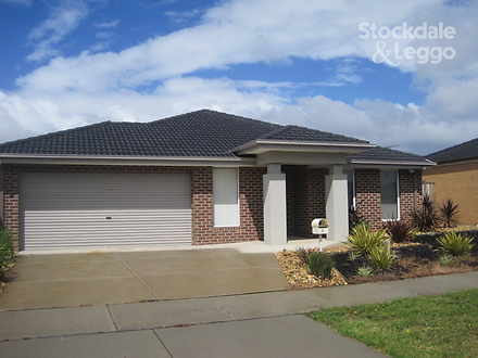 3 Gallery Way, Pakenham 3810, VIC House Photo