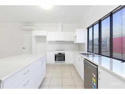 5A/13 Chappell Street, Kawana 4701, QLD Unit Photo