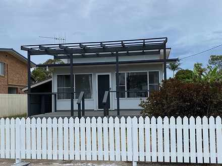 13 Mcintosh Avenue, Elliott Heads 4670, QLD House Photo