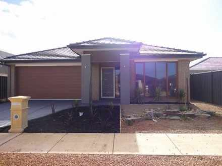 2 Snowsill Circuit, Point Cook 3030, VIC House Photo