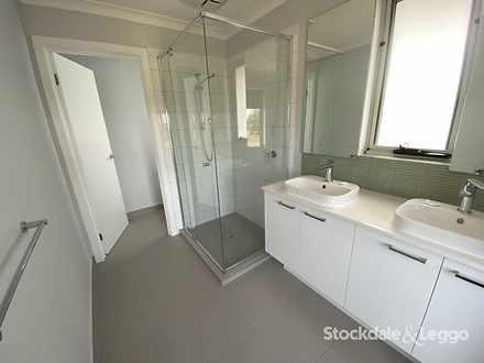 Da29c051a17db39ca99bb112 23334 bathroom 1604531616 thumbnail