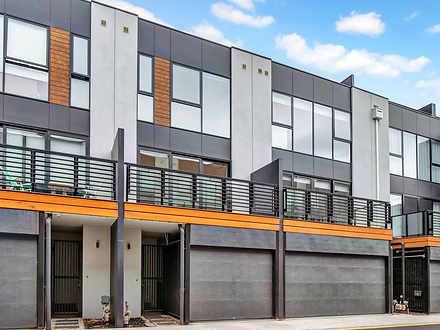8 Tomkins Road, Port Melbourne 3207, VIC Townhouse Photo