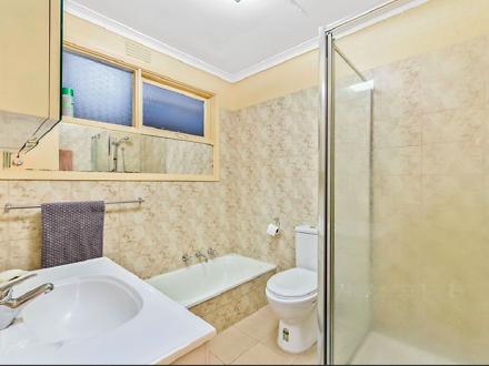 Bathroom 1605135433 thumbnail