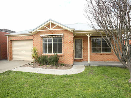 8 Elstead Way, Lake Gardens 3355, VIC House Photo