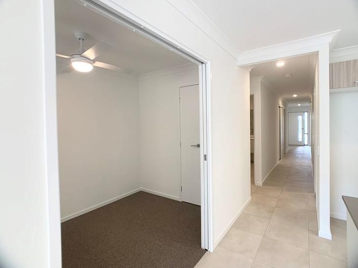 1/8 Sapphire Street, Park Ridge 4125, QLD Duplex_semi Photo