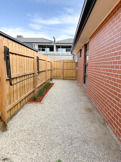 5/10 Hensley Road, Lalor 3075, VIC Townhouse Photo
