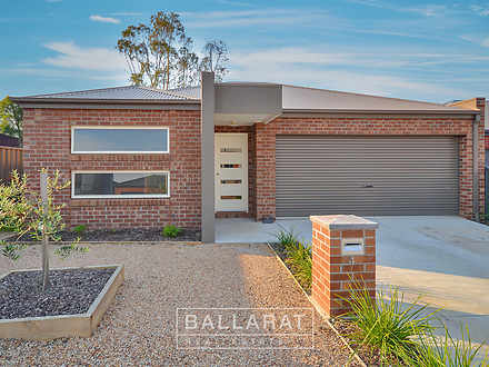 4 Creekview Close, Mount Clear 3350, VIC House Photo