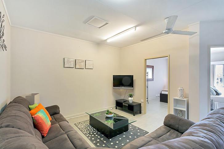 Cairns City 4870, QLD Studio Photo