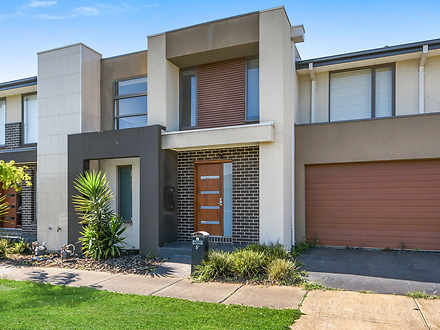 5A Fleuve Rise, Clyde North 3978, VIC Townhouse Photo