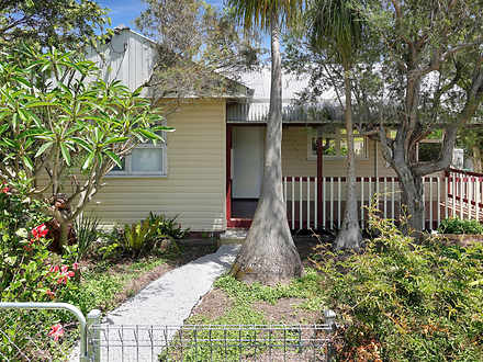 25 Lake Road, Fennell Bay 2283, NSW House Photo