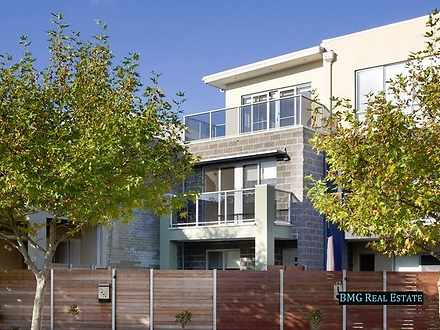 65 Lakeside  Boulevard, Pakenham 3810, VIC Townhouse Photo