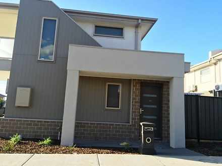 10 Baronial Way, Craigieburn 3064, VIC Townhouse Photo