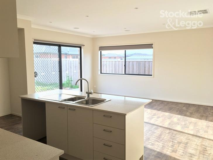 8 Oliver Court, Bannockburn 3331, VIC House Photo