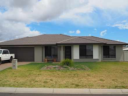 12 Mckinlay Place, Tamworth 2340, NSW House Photo