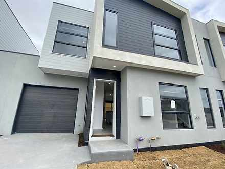 30 Stature Avenue, Clyde North 3978, VIC Townhouse Photo