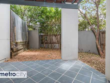 2/13 Richmond Road, Morningside 4170, QLD Townhouse Photo