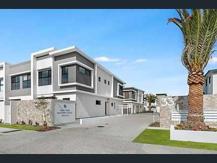 3033 Sickle Avenue, Hope Island 4212, QLD Townhouse Photo