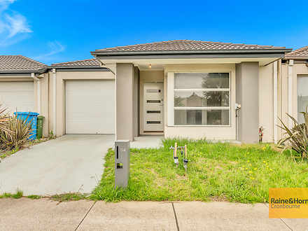 34 Haflinger Avenue, Clyde North 3978, VIC House Photo
