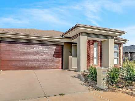 7 Brooksby Circuit, Harkness 3337, VIC House Photo