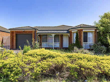 9 John August Walk, Seabrook 3028, VIC House Photo