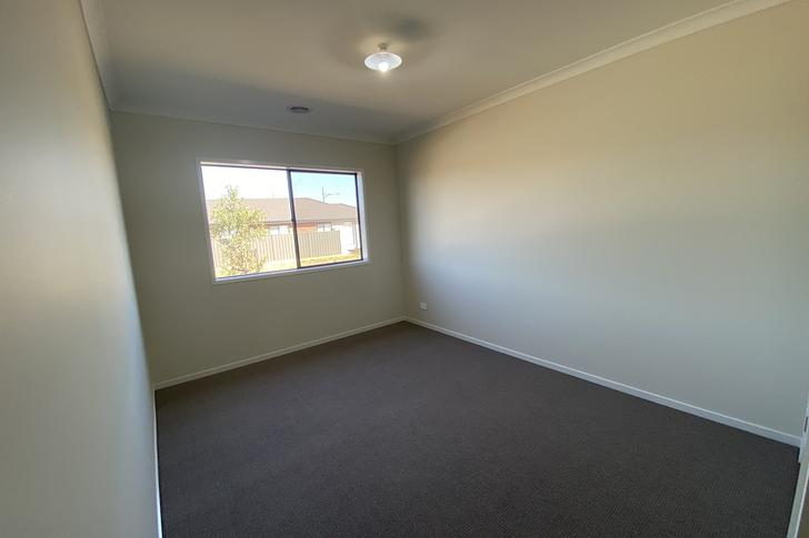 11 Stevenage Drive, Strathtulloh 3338, VIC House Photo