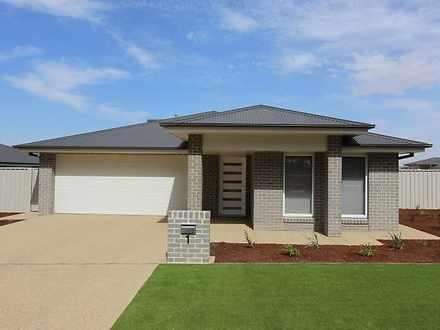 2/35 Coppabella Drive, Gobbagombalin 2650, NSW House Photo